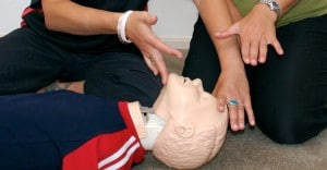 first aid training using a mannequin