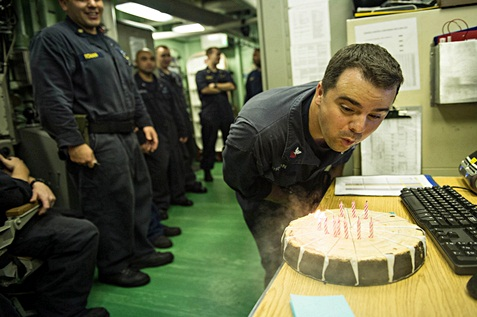 Employee celebrating his birthday with colleagues