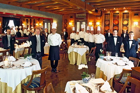 Restaurant staff that are happy and clean